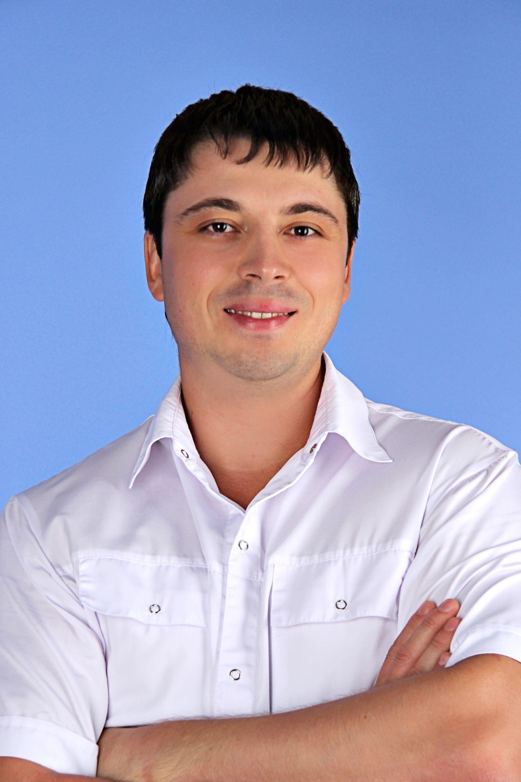 Хохлов Иван Александрович, имплантолог
